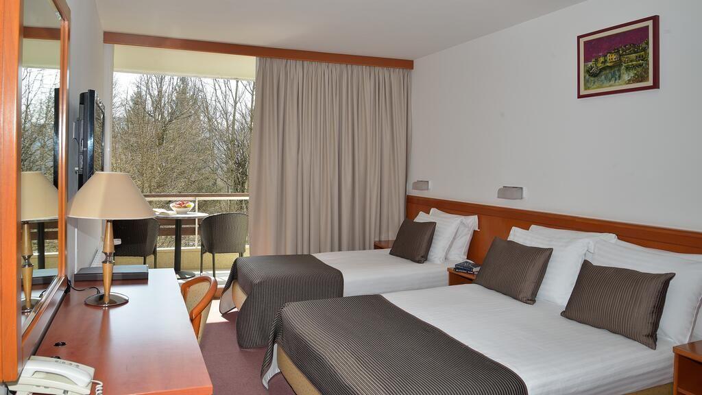 Hotel Jezero*** - Boje jeseni na Plitvičkim jezerima - 2 noćenja